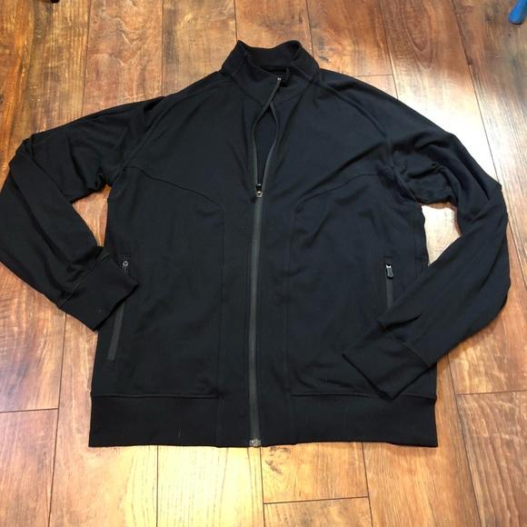 55f5d5f2f Men's Lululemon black zip up jacket size XXL
